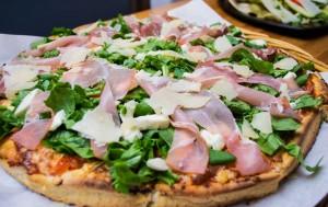 #pizza, #willyspizza, #parmesan, #prosciutto, #rucola, #tomato, #mozzarella, #fresh_mozzarella, #kallithea, μοτσαρέλλα, πίτσα, ντομάτα, ρόκα