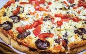 #pizza, #willysplacetobe, #placetobe, #bacon, #kallithea, #sausage, σουτζούκι, πίτσα στην καλλιθέα
