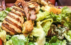 #willys, #willysalad, #salad, #vinegretsauce, #tomato, #honeymustard, #parmesan, #bacon, #chicken, #greensalad
